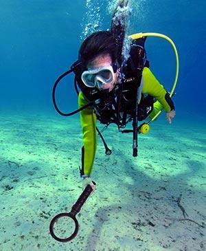 dykare med metalldetektor Metalldetektor vattentät